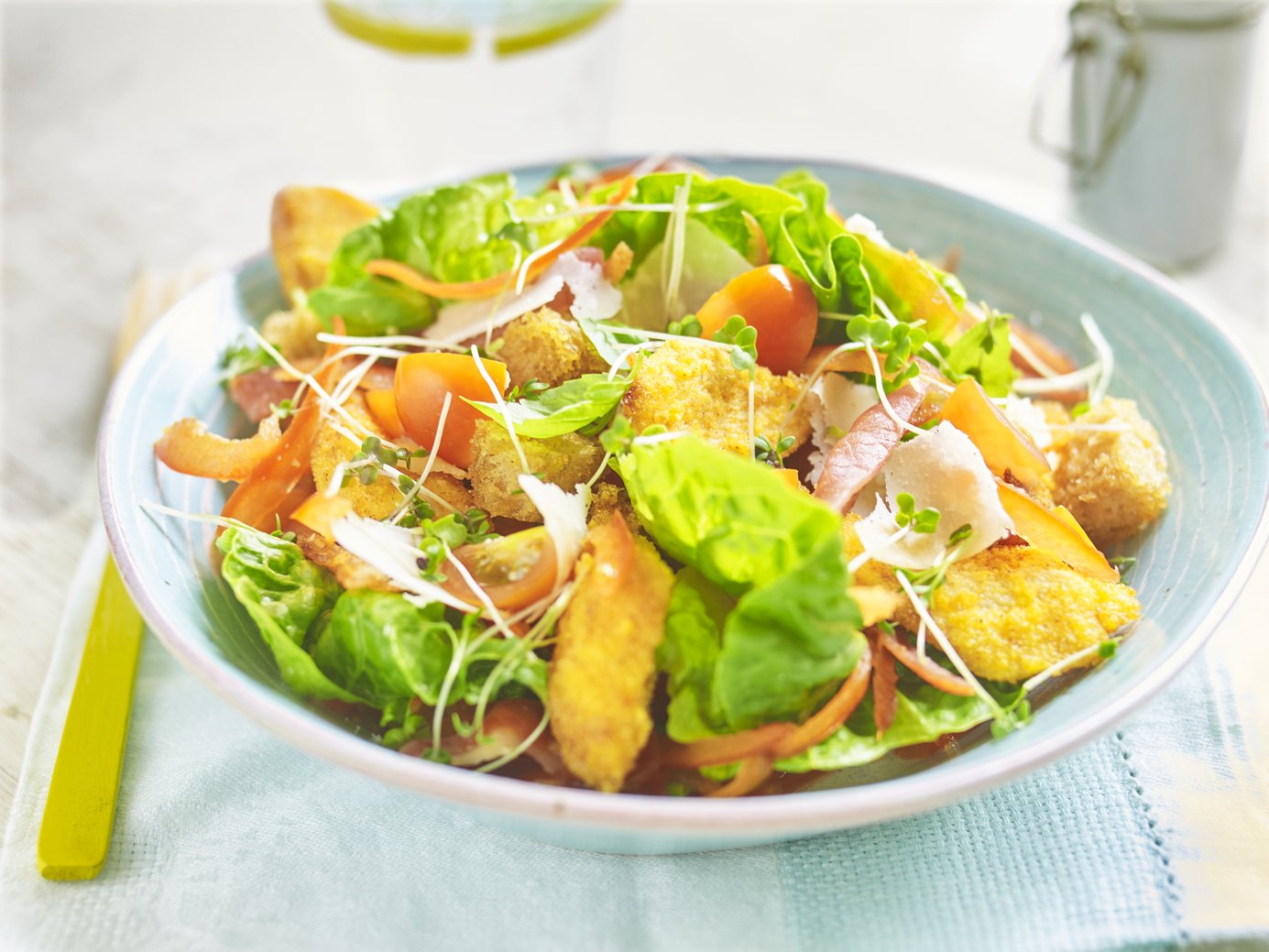 Chicken Caesar salad, sourdough croutons & yogurt dressing