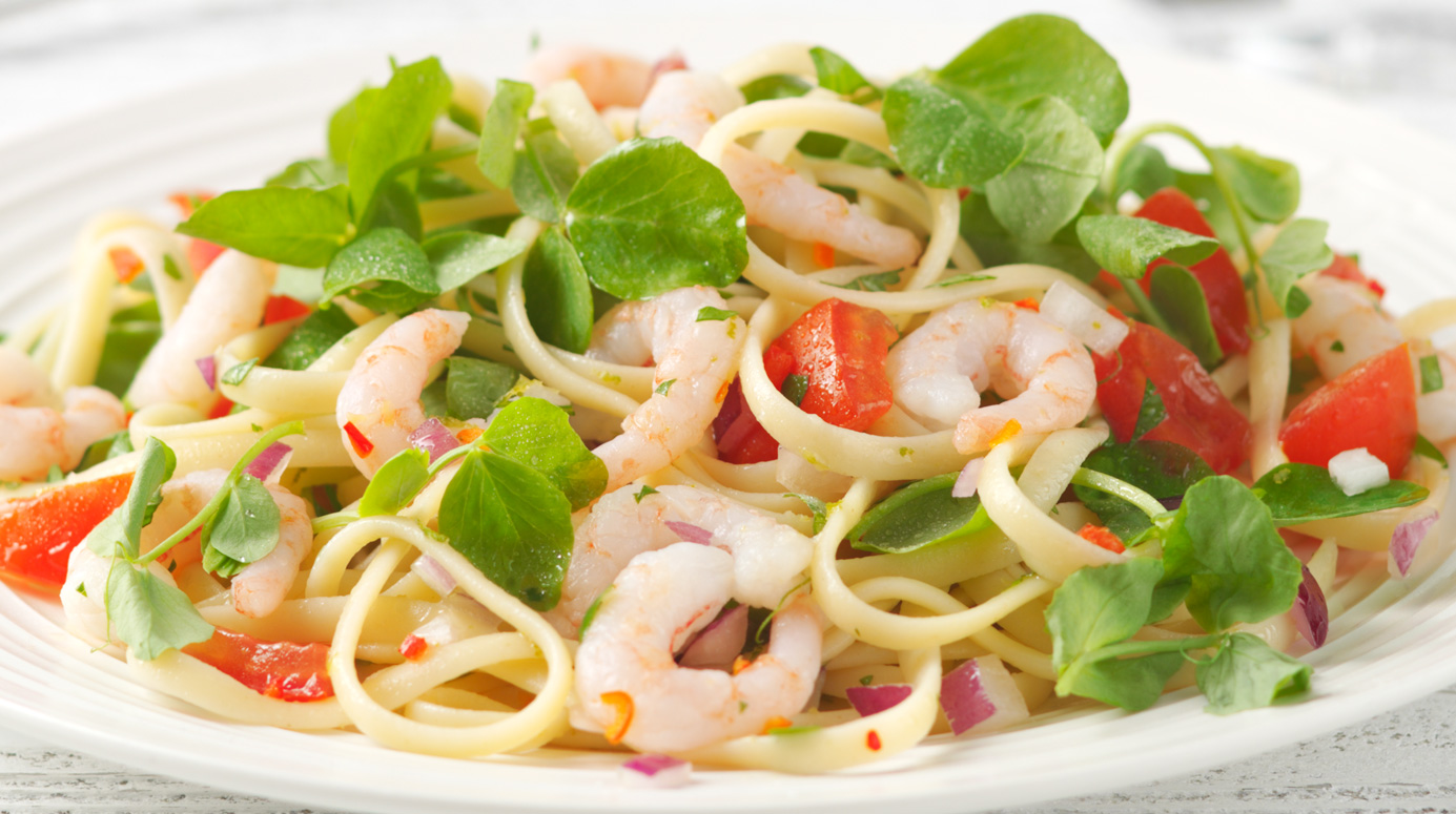 Chilli, lime and prawn linguine salad