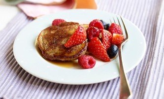 Mini Caramel Pancakes with Berries